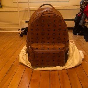 MCM medium Side Stud Stark Backpack-Cognac